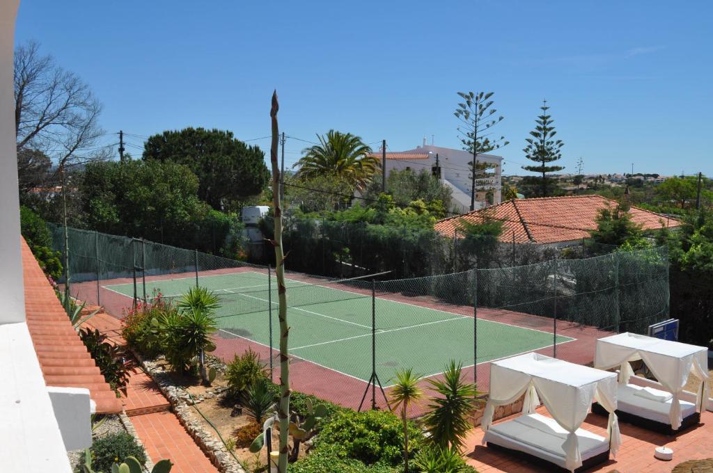 Appartement 2 à 4 p – Vue jardin/tennis N°1